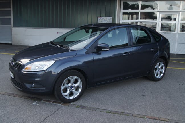 Ford Focus 2.0i Carving 155'000 km CHF5'900 - buy on carforyou.ch - 1