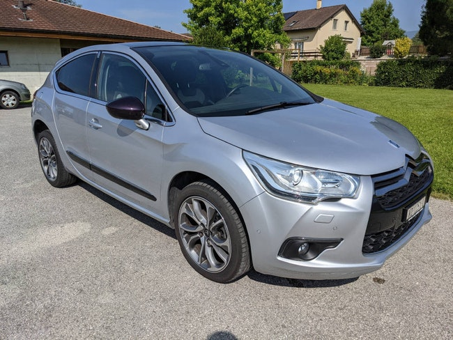 DS Automobiles DS4 2.0 HDi Dark Top 102'000 km CHF10'900 - buy on carforyou.ch - 1