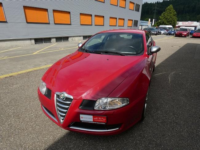 Alfa Romeo GT 1.9 JTD Q2 120'000 km CHF6'900 - buy on carforyou.ch - 1