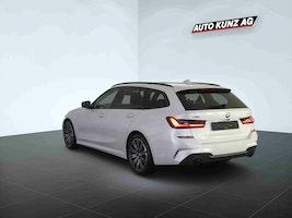 BMW 3er 330 i xDriveTouring M Sport Automat 8'674 km CHF51'989 - buy on carforyou.ch - 2