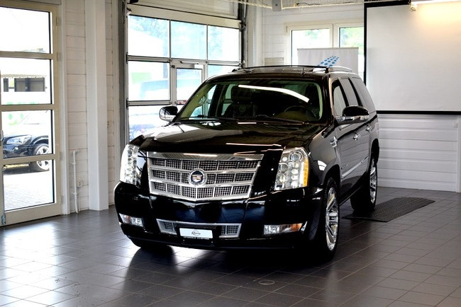 Cadillac Escalade 6.2 Platinum Edition 65'000 km CHF34'900 - buy on carforyou.ch - 1