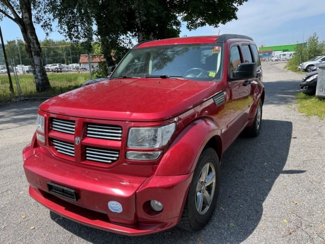 Dodge Nitro 4.0 V6 R/T Automatic 251'000 km CHF4'700 - buy on carforyou.ch - 1