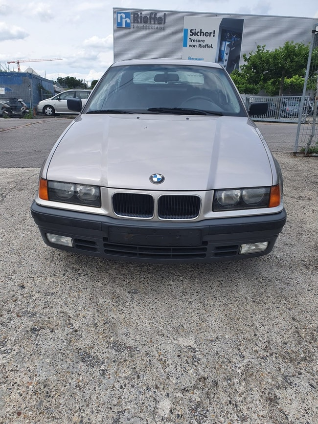BMW 3er Compact 316i Compact 104'000 km CHF1'900 - buy on carforyou.ch - 1