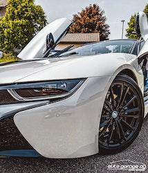 BMW i8 Roadster 2'500 km CHF109'800 - buy on carforyou.ch - 2