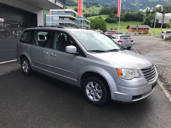 Chrysler Voyager Grand Voyager 3.8 Classic Line Plus Automatic 115'000 km CHF9'800 - acquistare su carforyou.ch - 1