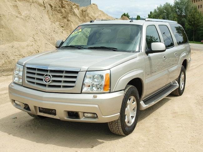 Cadillac Escalade 6.0 ESV 60'484 km CHF23'800 - buy on carforyou.ch - 1