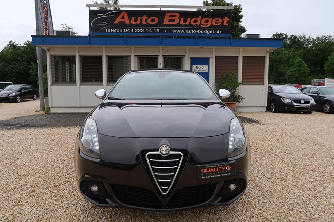 Alfa Romeo Giulietta 1.4 MultiAir Distinctive 109'700 km CHF8'888 - buy on carforyou.ch - 1