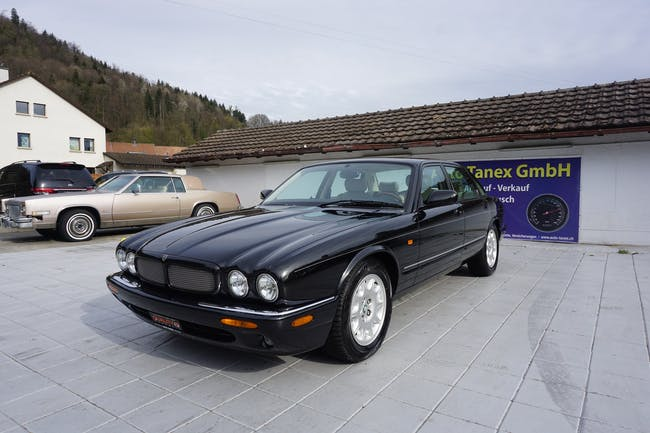 Jaguar XJ R 4.0 V8 S/C 134'626 km CHF12'990 - buy on carforyou.ch - 1