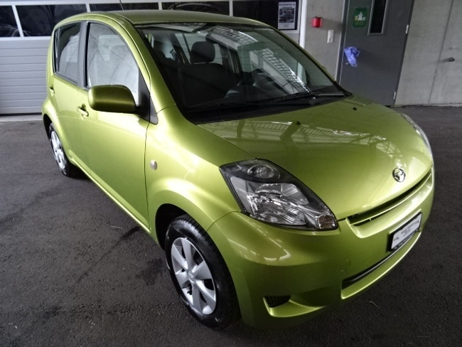 Daihatsu Sirion 1.3 eco 4WD 75'500 km CHF4'900 - acquistare su carforyou.ch - 1