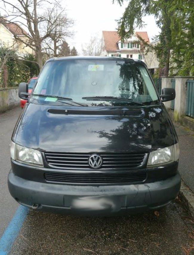 VW T4 Caravelle 3320 2.8 V6 Swiss 198'414 km CHF17'900 - buy on carforyou.ch - 1