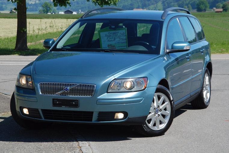 Volvo V50 2.0D Summum 293'000 km CHF4'500 - buy on carforyou.ch - 1