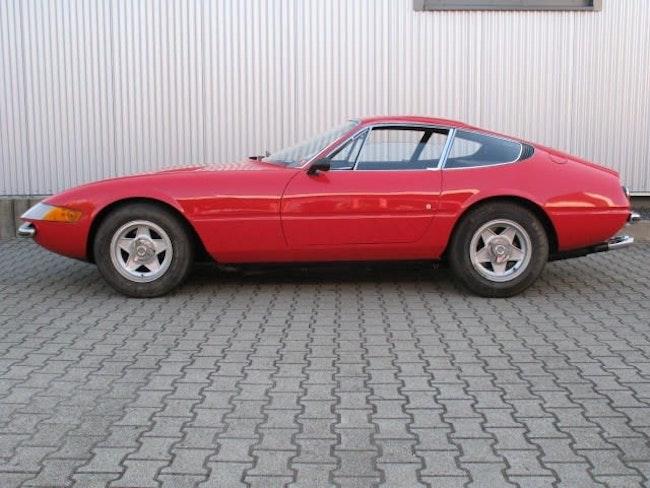 Ferrari 365 GTB4 102'000 km CHF550'000 - acheter sur carforyou.ch - 1