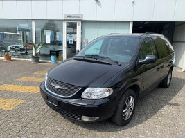 Chrysler Voyager 3.3 LX Automatic 166'000 km CHF5'500 - buy on carforyou.ch - 2