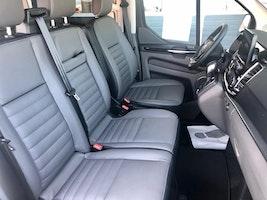 Ford Tourneo CUSTOM Tourneo 9 Plz. C Bus 320 L2 2.0 TDCi 185 Titanium 8'606 km CHF47'800 - buy on carforyou.ch - 3
