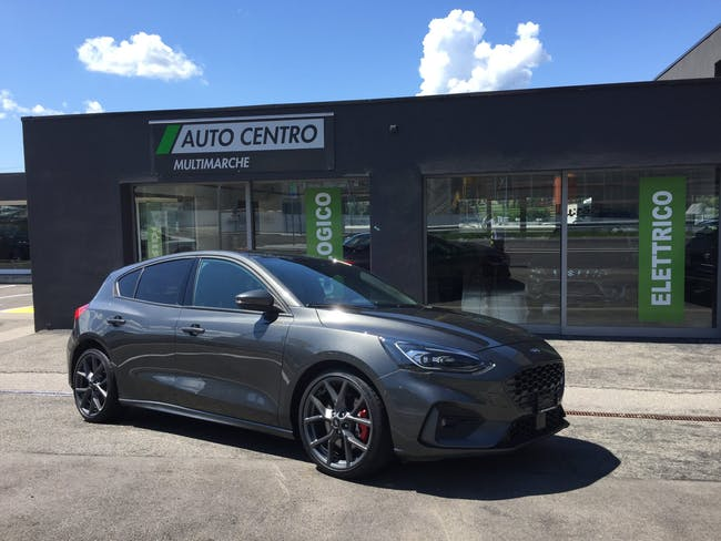 Ford Focus 2.3 EcoB ST Pack Styling 12'500 km CHF32'900 - buy on carforyou.ch - 1