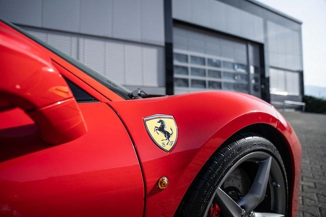 Ferrari 488 GTB 3.9 V8 9'600 km CHF217'900 - acheter sur carforyou.ch - 1
