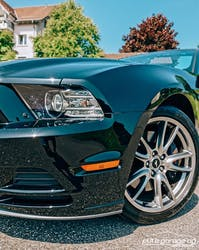 Ford Mustang 5.0 GT Manuell 15'000 km CHF37'800 - buy on carforyou.ch - 2