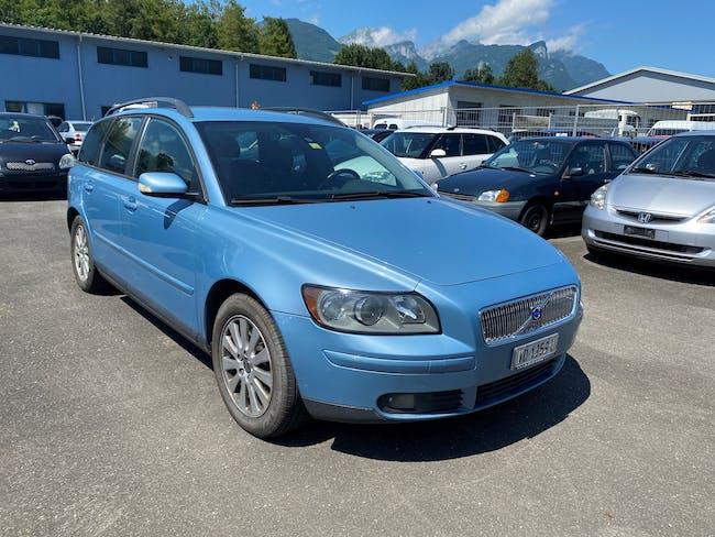 Volvo V50 2.4I Momentum 270'000 km CHF1'900 - buy on carforyou.ch - 1