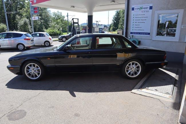 Jaguar XJ R 4.0 V8 S/C 142'850 km CHF11'900 - buy on carforyou.ch - 1