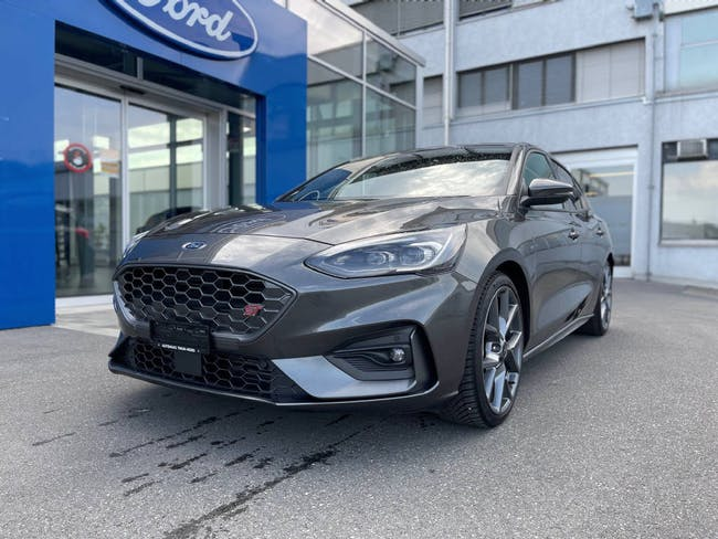 Ford Focus 2.3 EcoB ST Pack Styling 7'500 km CHF35'900 - buy on carforyou.ch - 1