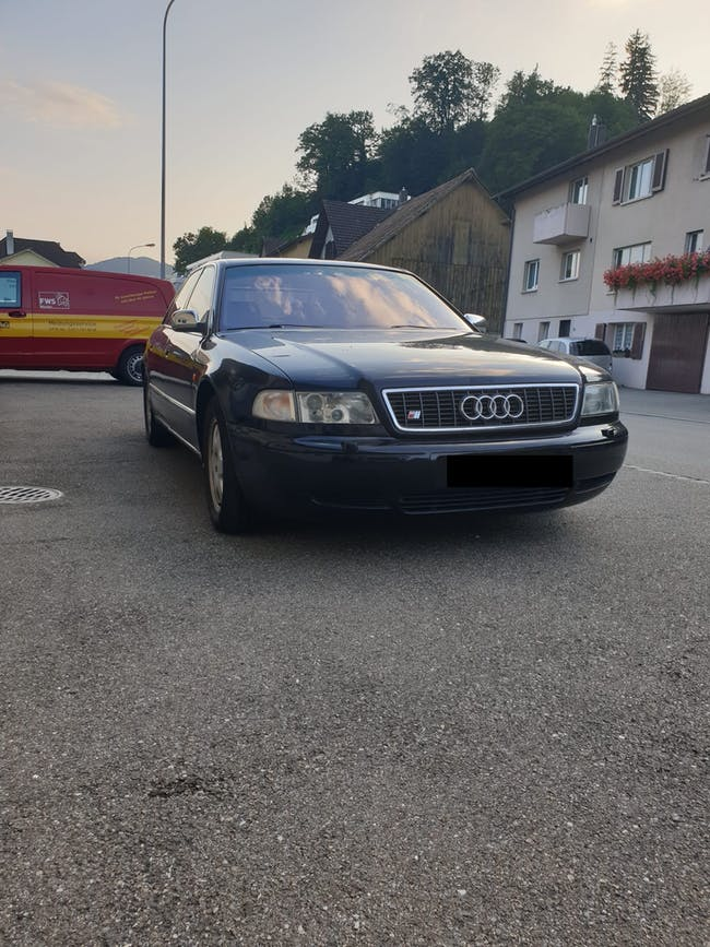 Audi A8 S8 4.2 quattro 232'496 km CHF8'490 - buy on carforyou.ch - 1
