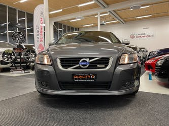 Volvo V50 D4 R-Design Geartronic 124'000 km CHF11'900 - buy on carforyou.ch - 2