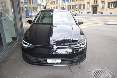 VW Golf Life SELECTION 20 km CHF36'190 - buy on carforyou.ch - 2