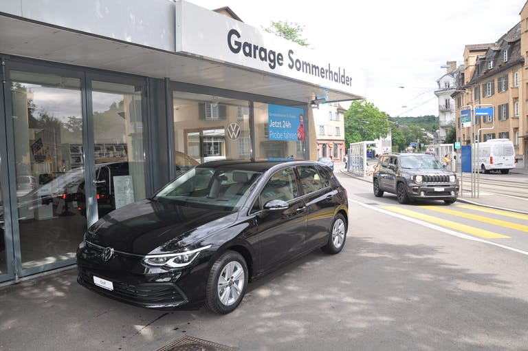 VW Golf Life SELECTION 20 km CHF36'190 - buy on carforyou.ch - 1