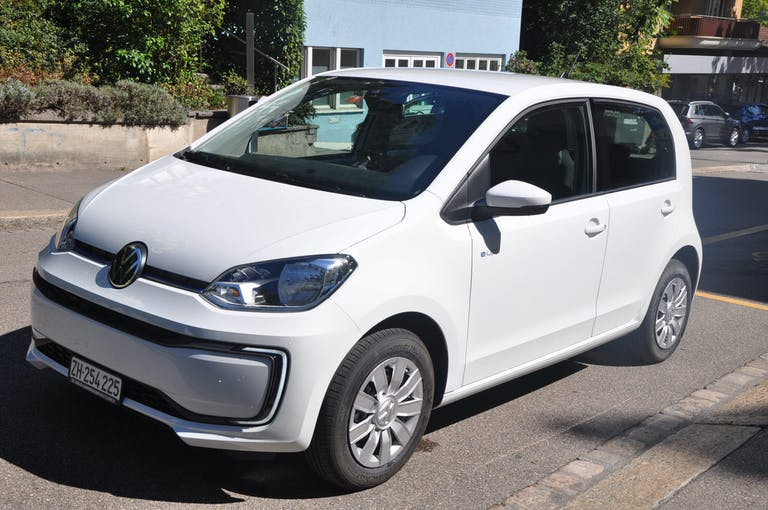 VW Up e-up! 5'000 km CHF27'800 - acheter sur carforyou.ch - 1
