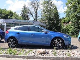 Volvo V40 D2 Momentum R-Design 23'000 km CHF24'900 - kaufen auf carforyou.ch - 2