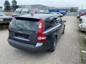 Volvo V50 2.0D Kinetic 223'000 km CHF1'200 - buy on carforyou.ch - 2
