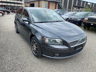 Volvo V50 2.0D Kinetic 223'000 km CHF1'200 - buy on carforyou.ch - 3