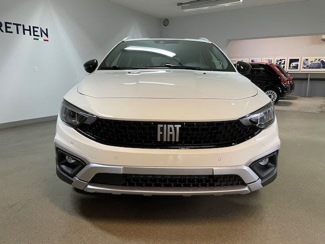 Fiat Tipo 1.0 T3 Cross 6'000 km CHF22'499 - buy on carforyou.ch - 1
