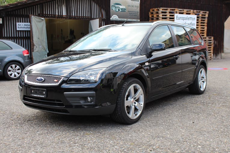 Ford Focus 2.0i Trend 149'000 km CHF2'999 - buy on carforyou.ch - 1