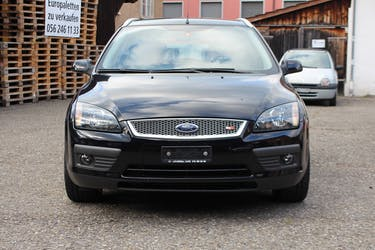 Ford Focus 2.0i Trend 149'000 km CHF2'999 - buy on carforyou.ch - 2