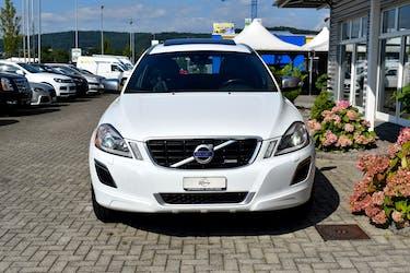 Volvo XC60 T6 AWD R-Design Geartronic 200'000 km CHF13'900 - buy on carforyou.ch - 3