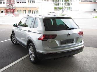 VW Tiguan 2.0 TDI SCR Highline 4Motion DSG 23'500 km CHF38'500 - buy on carforyou.ch - 3