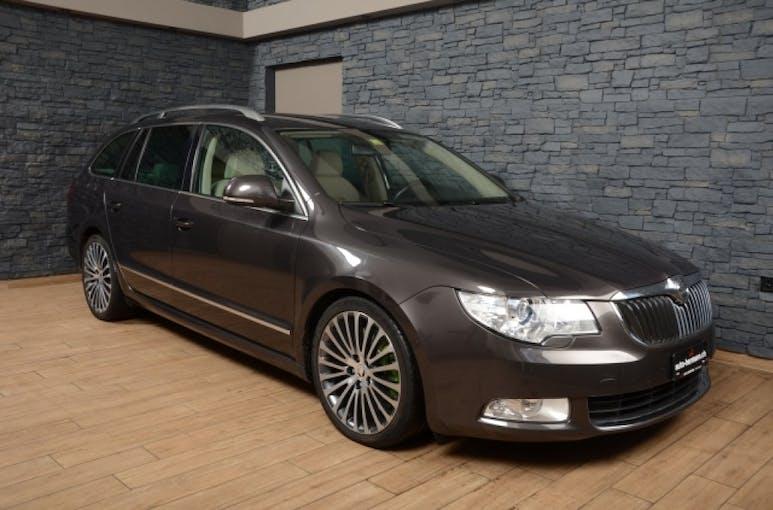 Skoda Superb 3.6 FSI Elegance 4x4 140'000 km CHF11'800 - buy on carforyou.ch - 1
