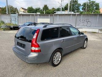 Volvo V50 2.0 D Momentum 281'300 km CHF1'600 - buy on carforyou.ch - 3