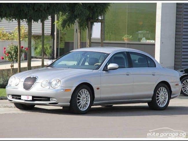 Jaguar S-Type 4.0 V8 69'200 km CHF9'800 - acheter sur carforyou.ch - 1