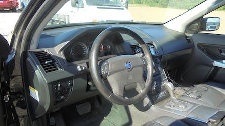 Volvo XC90 V8 AWD Momentum Geartronic 305'000 km CHF4'999 - buy on carforyou.ch - 3
