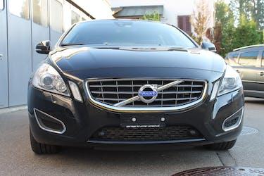Volvo V60 D5 AWD Momentum Geartronic 96'000 km CHF18'400 - buy on carforyou.ch - 2