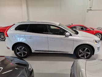 Volvo XC60 D5 AWD Kinetic R-Design Geartronic 103'900 km CHF18'900 - buy on carforyou.ch - 2