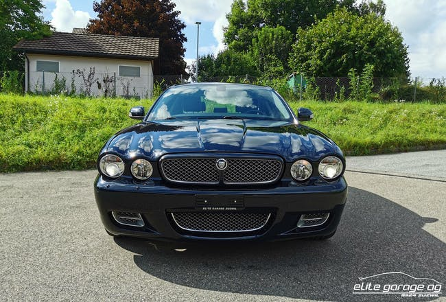 Jaguar XJ R 4.2 V8 S/C 128'888 km CHF27'800 - acheter sur carforyou.ch - 1