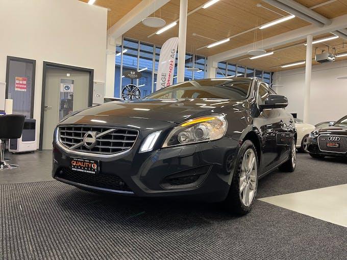 Volvo V60 D4 Momentum Geartronic 154'000 km CHF9'900 - buy on carforyou.ch - 1