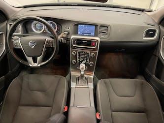 Volvo V60 D4 Momentum Geartronic 154'000 km CHF9'900 - buy on carforyou.ch - 3