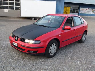 SEAT Leon 1.6 Signo 198'500 km CHF1'900 - buy on carforyou.ch - 3