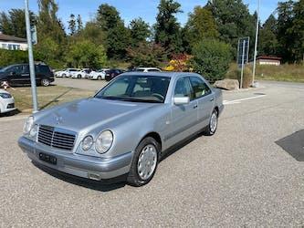 Mercedes-Benz E-Klasse E 280 Elégance 4-Matic Automatic 222'000 km CHF3'250 - buy on carforyou.ch - 2