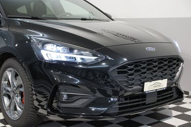 Ford Focus 2.0 TDCi ST Line X Automatic 6'800 km CHF28'900 - buy on carforyou.ch - 2