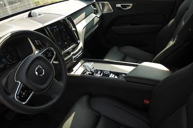 Volvo XC60 B5 Diesel Mild Hybrid AWD Inscription Geartronic 11'000 km CHF66'750 - buy on carforyou.ch - 3